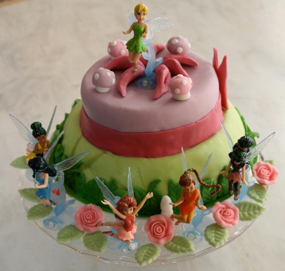 Les gâteaux d'anniversaire et la décoration en pâte à sucre (5/6)