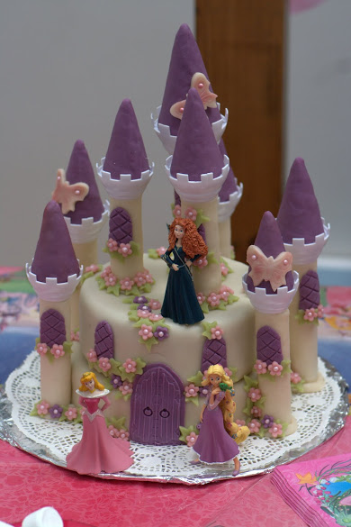 Gateau-chateau-de-belle-au-bois-dormant-final