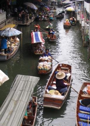 Anaïs-voyage-dans-son-assiette_008_Thailande_06_marché-flottant