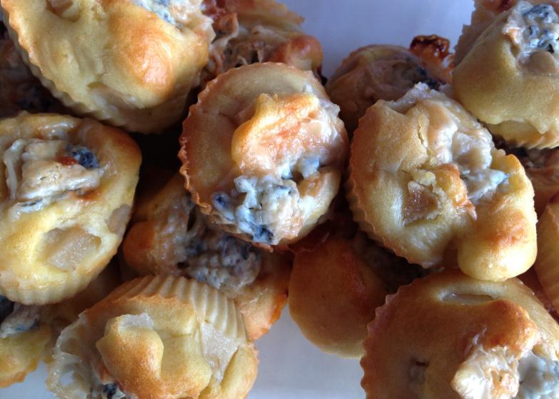 Mini-muffins-aux-poires-et-cœur-bleu