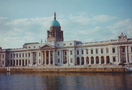 LDdA_Anais-voyage-dans-son-assiette-Irlande-Dublin-Custom-House