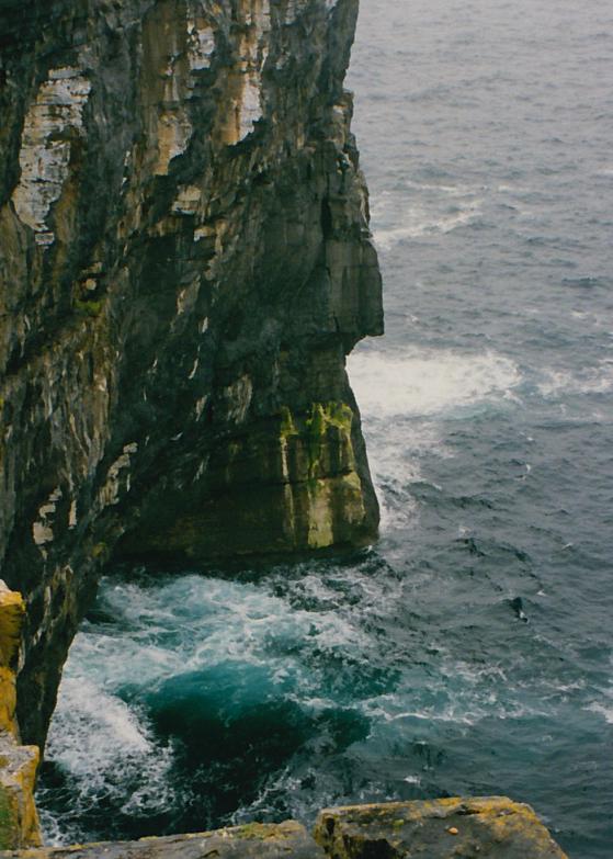 LDdA_Anais-voyage-dans-son-assiette-Irelande-Aran-Dun-Aengus-1