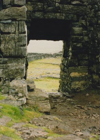 LDdA_Anais-voyage-dans-son-assiette-Irelande-Aran-Dun-Aengus-2