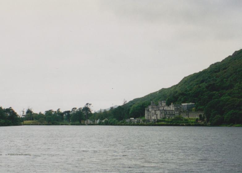 LDdA_Anais-voyage-dans-son-assiette-Irelande-connemara-Kylemore-Lough
