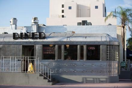 GMCVB_Miami_South-Beach-Eleventh-Street-Diner-4-MS