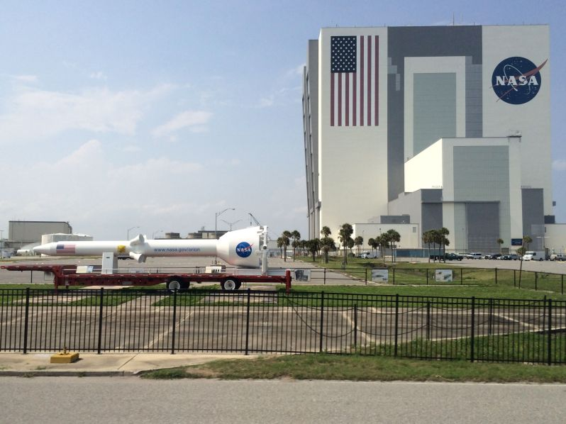 LDdA_Anais-voyage-dans-son-assiette_USA_Kennedy_Space_Center_VAB