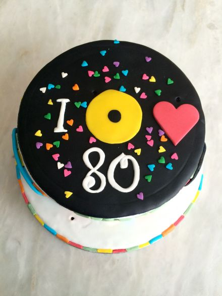 LDdA_Tutoriel_Gateau_anniversaire_annees_80_sucre_coeur