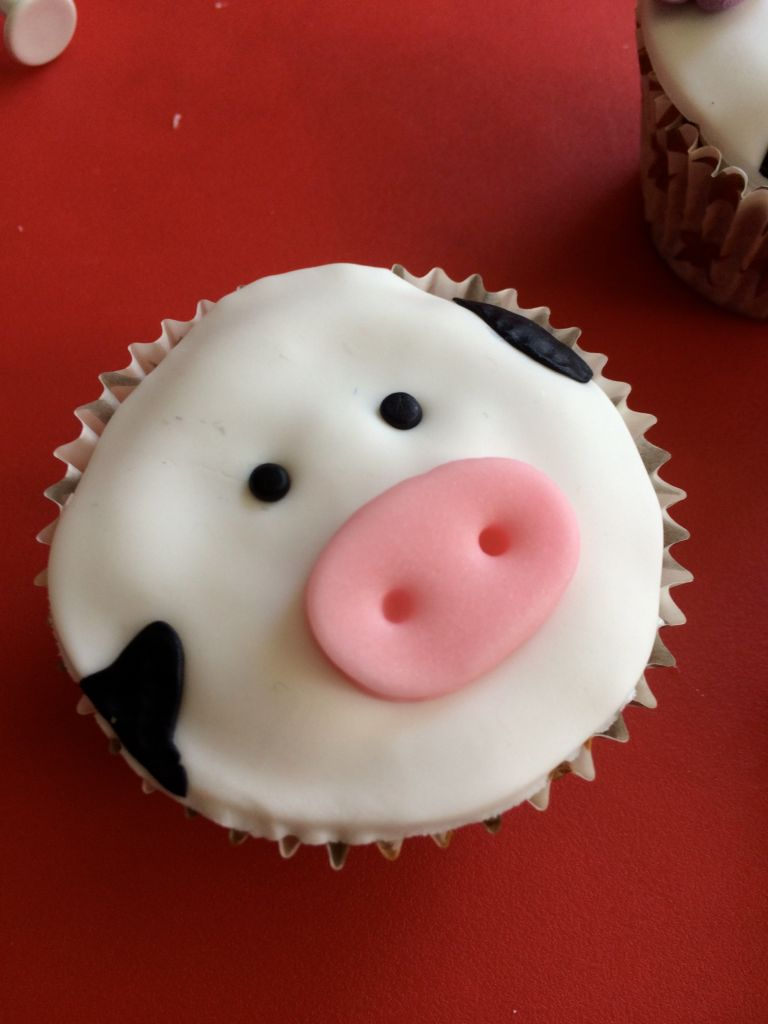 Cupcake_animaux_ferme_taches_vache