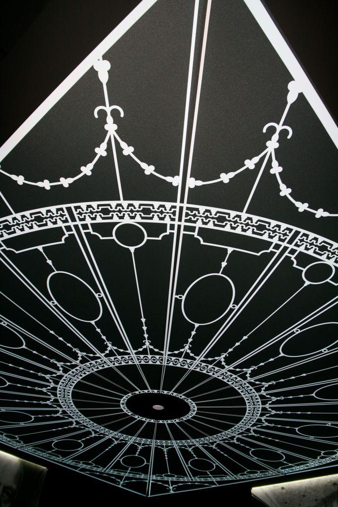 La_cite_de_la_mer_Expo_Titanic_Plafond