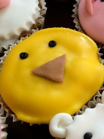 Cupcake_animaux_ferme_Poussin_3