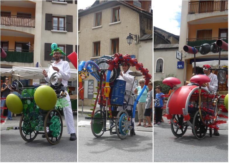LDdA_Festival_PotesdeMarmots_J1_Spectacle_déambulation_recyclable_Pourkoapas_01