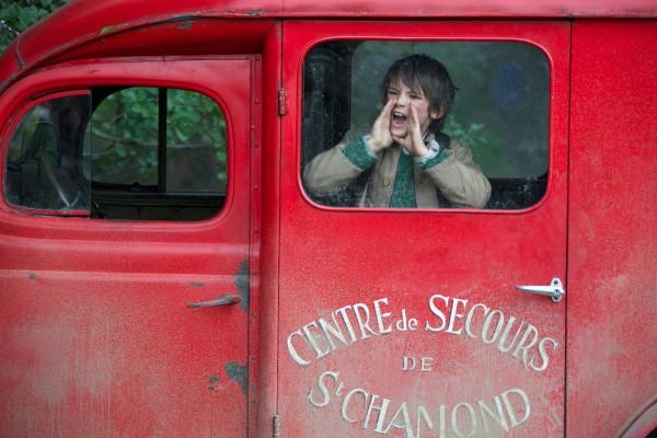 Film Belle et Sébastien, l'aventure continue... Réalisé par Christian DUGAY. Pierre enferme Sébastien. Izermore - 24/09/2014