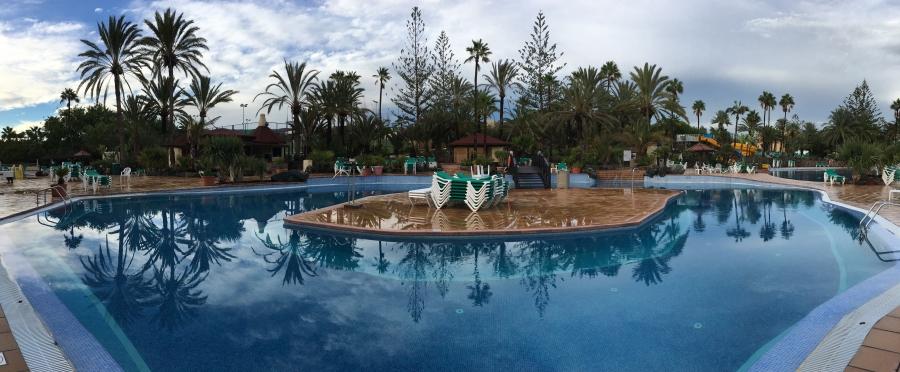 ldda_canaries_picine_hotel