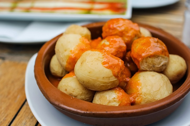 ldda_canaries_la-cuisine-canarienne_papas-arrugadas