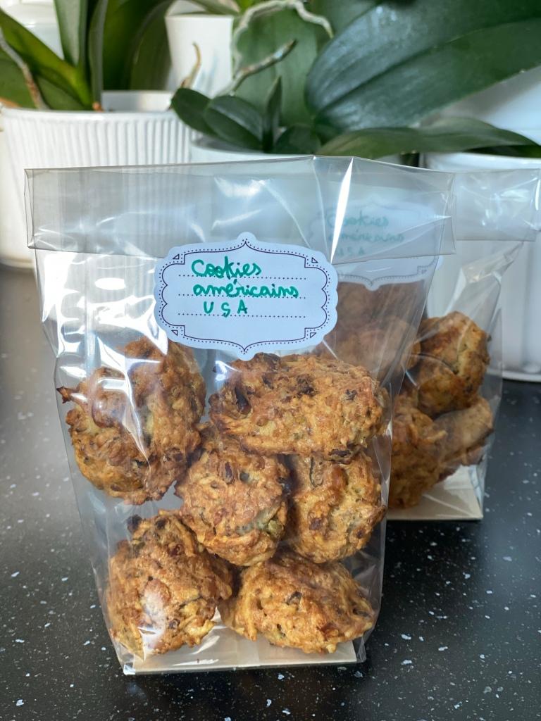 Paquet de cookies américains aux pistaches et pignons