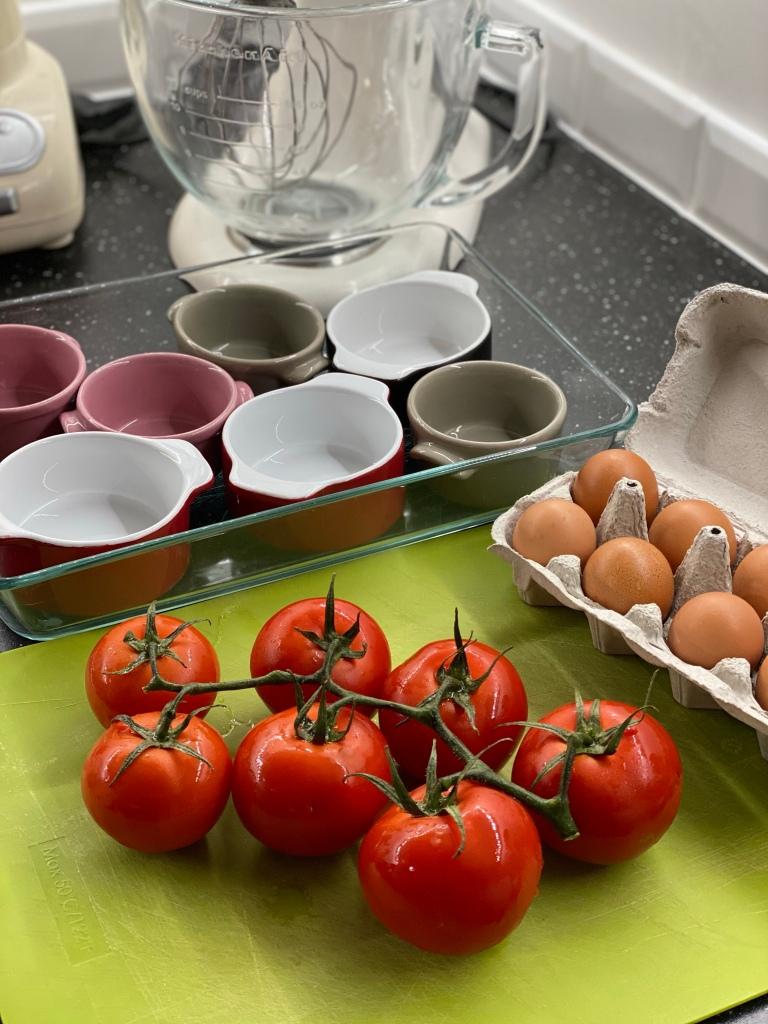 ingrédients pour la tomate cocotte